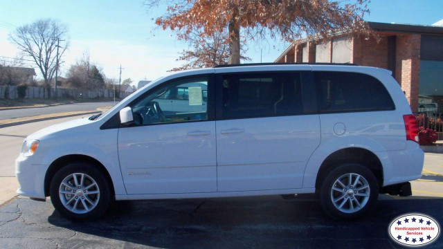 2016 Dodge Grand Caravan BraunAbility BraunAbility Dodge Manual Rear Entrywheelchair van for sale
