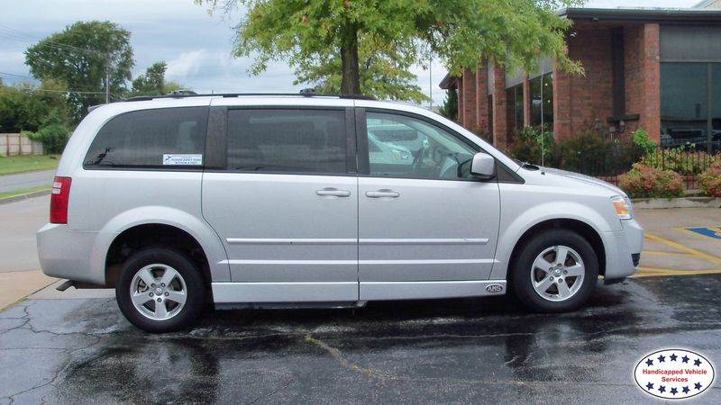 Ada, Ok 2008 Dodge Grand Caravan AMS Dodge Legend Side Entrywheelchair van for sale