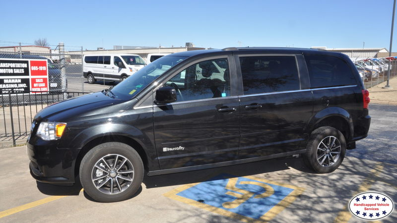 Guymon, Ok 2017 Dodge Grand Caravan BraunAbility Dodge Manual Rear Entrywheelchair van for sale