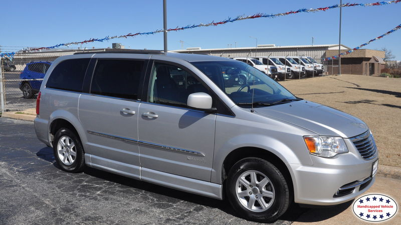 2012 Chrysler Town and Country BraunAbility Chrysler Entervan IIwheelchair van for sale