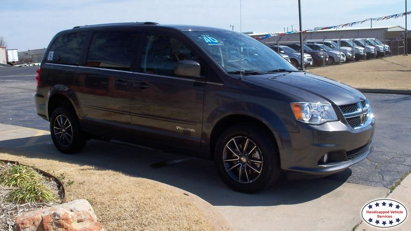 Ada, Ok 2017 Dodge Grand Caravan BraunAbility Dodge Manual Rear Entrywheelchair van for sale