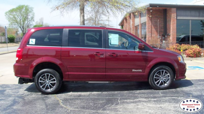 Woodward, Ok 2017 Dodge Grand Caravan BraunAbility Dodge Manual Rear Entrywheelchair van for sale
