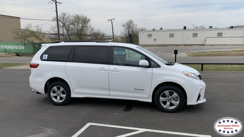 Idabel, Ok 2020 Toyota Sienna BraunAbility Toyota Manual Rear Entrywheelchair van for sale